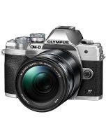 Olympus OM-D E-M10 Mark IV + M.Zuiko 14-150mm -järjestelmäkamera, hopea